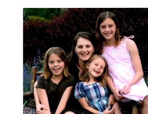 Jennifer Gardella and her daughters